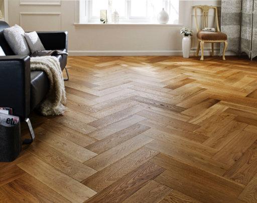 Chene Herringbone Oak Engineered Flooring, Brushed & Lacquered, 600x150x14 mm
